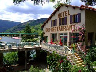façade hôtel du lac