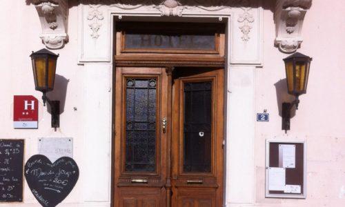 Porte Hôtel Balme
